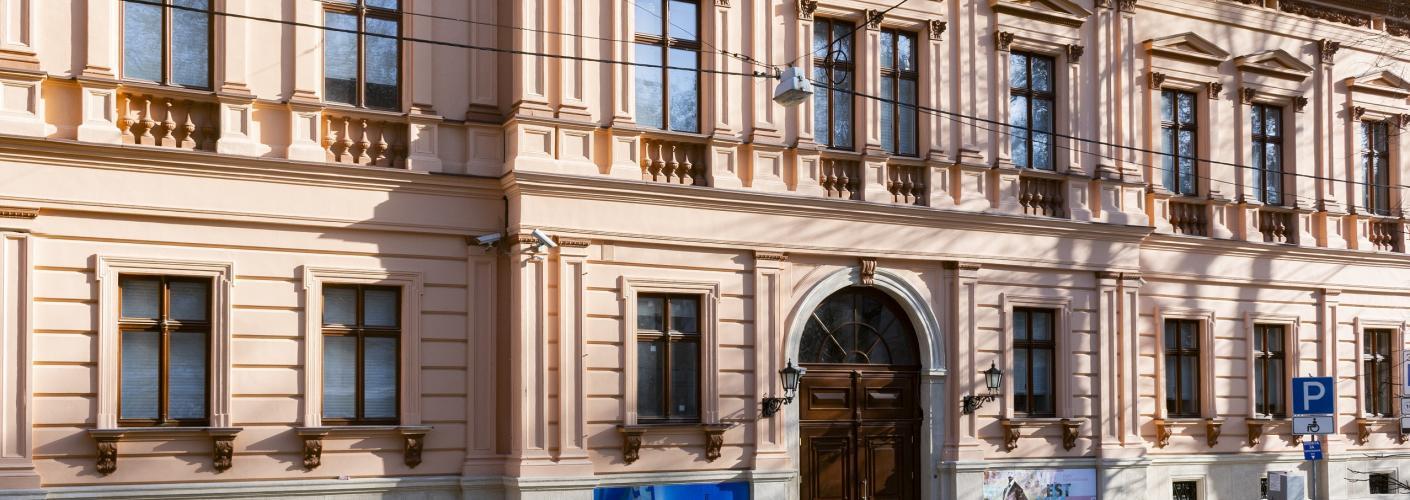 Палац Лозинського
